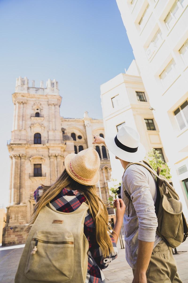 Turistas visitando Andalucía.